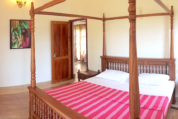 Rasa four poster bed